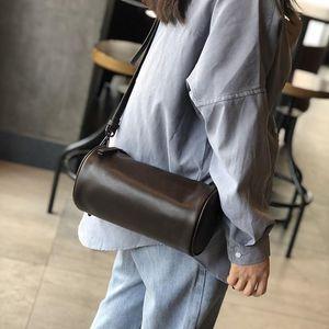Johnature Soft Cowhide Women Bag Ocio Barril de cuero genuino Bolsos de hombro Versátil Color Sólido Pequeño Messenger Bag