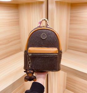 Mode-Rucksack Designer Buchstabe Hohe Qualität Schultasche Mode mit Seidenschal Hängen Herren und Frauen Rucksack WF2103091