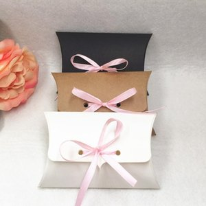 50pcs / lot 크래프트 종이 12.5 * 8 * 2.5cm 베개 선물 상자 결혼식 파티가 핀 Jllrgc와 사탕 상자를 호의