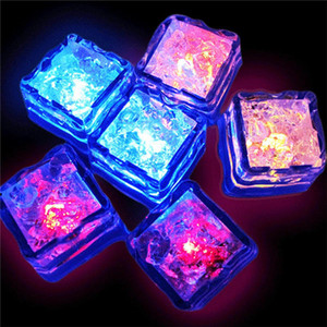 Water Sensor Sparkling LED Ice Cubes Luminous Multi Color Glowing Drinkable Decor for Event Party Wedding 0708079