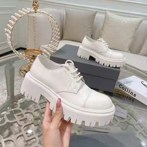 Модные лакированные кожаные женские ботинки теплые зимой толстые густые широкие головные туфли удобные и дышащие кружевные по пустыне 35-40