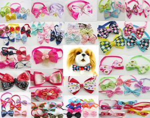 100 pz / lotto Big Vendita Handmade Hallowen Hallowen Holiday Dog Ties Pet Cane Cravatte Nastro Dog Bow Pack Ties Pet Grooming Forniture Mix Stili Commercio all'ingrosso PE15