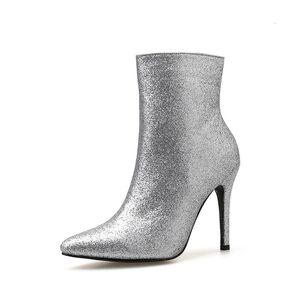 2021 Neue Damenschuhe Herbst Casual Nightclub Sier Boot Zeigte High Heel Side Martin Klassische europäische Damen Booties A6xj