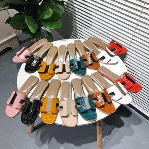 الكلاسيكية شقة المرأة النعال شاطئ شبشب الصيف سيدة الكرتون رئيس كبير الشرائح حمام جلد أزياء المرأة أحذية كبيرة الحجم 35-42