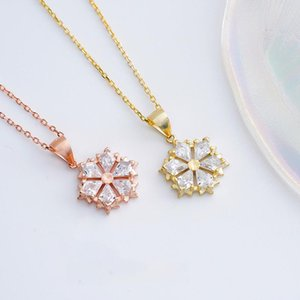 Pendant Necklaces Snowflake Crystal Ladies Necklace Classic Shining Simple Personality Exquisite Fashion Jewelry Wedding Gifts