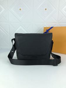 M45557 Magnetic Magnetenger покрыт холст кожаный печати буква полосы регулируемый ремень Многочисленные карманные мужчины путешествия сумка на плечо мешок