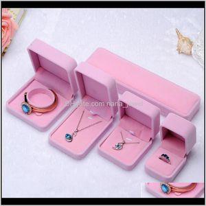 Scatole di gioielli di moda PinkCreamy-White Air Velvet Anello Orecchini pendente Collana Braccialetto Braccialetto Braccialetto Classico Show Luxury Ottagonal Gift Case FW3DQ