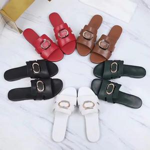 2021 Venta de mujeres de alta calidad de alta calidad Sandalias de cuero genuinas de verano Playa deslizante de moda Deslizadores zapatos Tamaño 35-41 con caja 01