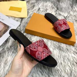 New Women's Sandals Designer Shoes Luxury Summer Fashion Wide Flat Sandals Sandals Size