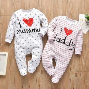 Recém-nascido infantil bebê meninos meninas romper pijama algodão cute letra eu amo paizinho e múmia luva longa jumpsuit criança roupas 210303