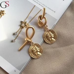Hoop huggie gs ретро золотые монеты мужчина головы асимметричные серьги уникальные личности последние моды для женщин драгоценные аксессуары