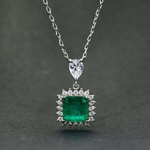HBP fashion Shi Pei's popular imitation emerald necklace, collarbone chain pendant, cast platinum suit