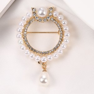 Floral Freshwater Pearl Brooch Pin Crystal Rhinestones Flower Brooches for Women Bouquet Sweater Scarf Clothing Accessories