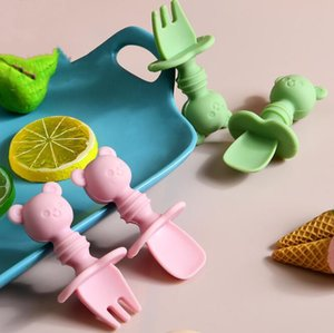 Cuillère bébé et fourchette Set Soft Silicone Bear Shape Baby Alimentation Spoon Grade Silicone Training Cuillère Toddler Couverts Toddler WMQ615