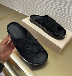 En Son Düz Alt Terlik Kadın Sandalet Lüks Tasarımcı Ayakkabı Nedensel Örgü Geniş Bayan Seksi Saman Plaj Ayakkabı Katı Haki Sandal Terlik 35-41