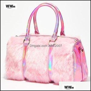 Спорт на открытом воздухе Outdoorsoutdoor сумки меховой лазерный тренажерный зал Tote мешок голографические женские плюшевые путешествия большая уличная сумка в выходные дни