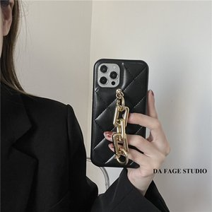 Luxury Designer phone cases for iphone 12 Pro Max 12 11 XR XS Max 7 8 plus PU leather Phone case with chain