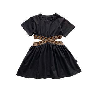 ins الفتيات قصيرة الأكمام فساتين 2021 الصيف الأطفال السهم جوفاء الخصر اللباس سيدة نمط الاطفال الملابس السوداء A5898