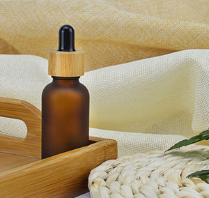 2021 5 10 15ml 30ml 50ml Frosted  clear Amber Glass Dropper Bottle with Bamboo Cap 1oz Glass Bamboo Essential Oil Bottle free shipping