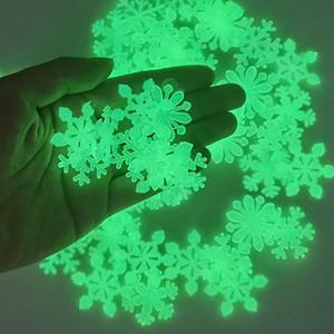 50 قطع 3d ندفة الثلج مضيئة الجدار ملصق الفلورسنت توهج في الظلام جدار صائق ل homw الاطفال غرفة نوم عيد الميلاد ديكور