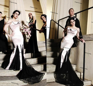Vintage Black and Pink Gothic Wedding Dresses Strapless Lace-up Corset Top Lace Stain Mermaid beach Bridal Gown Robes de mariée