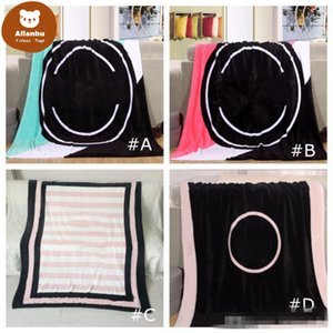 Black Pink Colors Blanket 130*150cm Soft Coral Velvet BeachTowel Blankets Air Conditioning Rugs Comfortable Carpet 4 colors ter