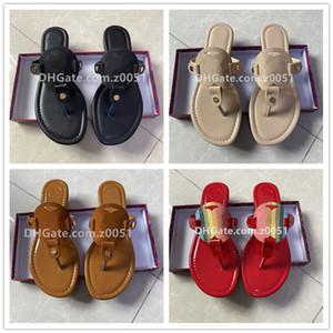 2021 Kadın Terlik Klip Toe Kadın Sandalet Rahat Kadın Flats Slaytlar Plaj Ayakkabı Yeni Çevirme Bayanlar Moda Ayakkabı Miller
