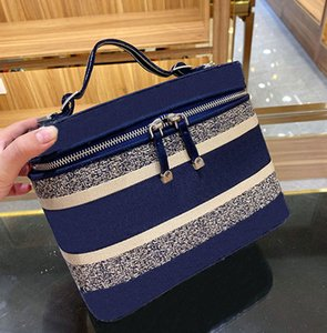Cosmetic bag Women Cosmetic bag famous pouch travel ladies purses toiletrys bag and Large capacity handbag Cosmetic bags Cases shoulder bags