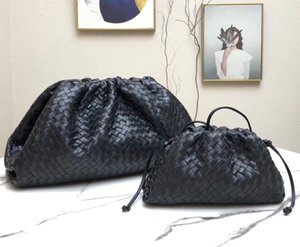 New Arrival Summer Fashion Designer Handwoven Calf Genuine Leather Soft Pouch Envelope Cloud Hardware Ring Closure Cluthes Best quality