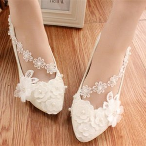 New Arrival Cheap Flat Pearls Wedding Shoes For Bride 3D Floral Appliqued Prom High Heels Lace Ankle Strap Plus Size Bridal Shoes