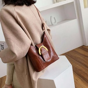 HBP Texture Small Women's 202 New Fashion Temperament Shoulto Autunno e inverno Black Ins Borsa messenger