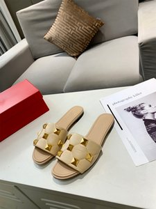 Top designer luxury slipper with a slipper in a diamond leather sandal size35-42