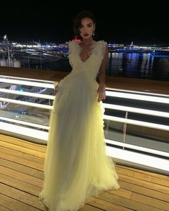 Flowy A-Line Tulle Prom Dresses Ruffles V-neck 2021 Vestidos Long Formal Evening Gowns Pretty Special Occasion Gowns Cheap Custom Made