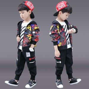 et New Automne Boys '2021 Printemps coréen Chinese Chine Cheminée Dessin animé Three Trois Pièce Suit Style à l'étranger à la mode