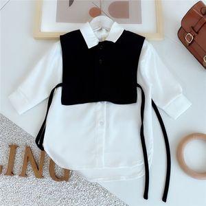 Gooporson Fashion Korean Loose Little Girls Long Sleeve Shirt Two Piece Set Blouse Cute White Long Tops Autumn Children Costume 210302
