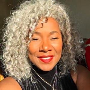 Real Hair Grey Hair Ponytail Усилительное серебристое серое афро плюшка или слоеная глубокая вьющиеся вьющиеся шнуры для женщин человеческие волосы для волос человека