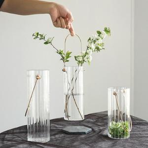 Kreative Wohnkultur Nordic Modern Tragbare gestreifte transparente Glasvase Mehrere Größen Metall Textur Vase