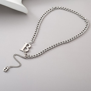 Ins personality versatile letter B stainless steel necklace net red cool wind simple temperament short clavicle chain women