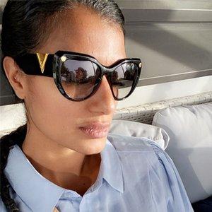 New Cteye Vintge Blck Sunglsses Women Brnd Design Retro Tringle Sun Glsses Femle Shdes Ldies Letter Eyewer UV400