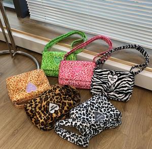 Moda Bambini Amore Cuori Lettera Borsa Girls Leopard Zebra Singola Borsa a tracolla Valentino Bambini Casual Borse casual casual