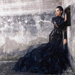Vintage Black Mermaid Wedding Dresses High Neck Long Sleeve Long Retro Gothic Wedding Gowns Tiered Skirt Bride Dress 2021 Vestidos de Novia