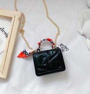 Девушки шелковые шарфы цепь сумка дети металлические пряжки сумка детская писем тиснение одной сумки на плечо леди мини-пурсишье мессенджер сумка A5852