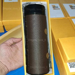 Marca de moda LED Canecas Inteligente Canecas de Temperatura Tampas 2021 Luxurys Designers de Aço Inoxidável Tumblers Coffee Chá xícaras Garrafas de Isolamento Mugs2022