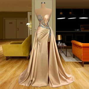 2021 Champagne Gold Evening Dresses Sexy Illusion Sheath Long Prom Gowns Applique Beading High Split Satin Party Gowns With Overskirt