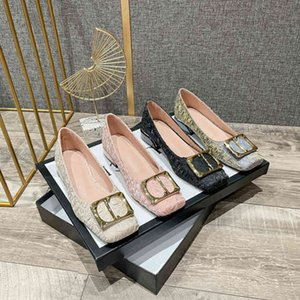 Plus size 41-43. Spring and autumn new dress shoes, square toe gold button heel height 3cm, top silk fabric, designer production. Classic,