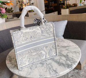 2020 Новая вышивка 3D трехмерный тигр узор большой емкости роскошный большой бренд сумка сумка ручной работы двусторонний цветок
