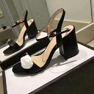 Tacón más caliente con caja de caja Sandalias de alta calidad Sandalias de tacón alto zapato plano tacón alto deslizadores zapatillas zapatos casuales por zapatos10 01