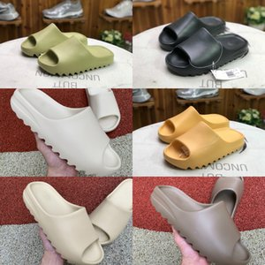 2021 New Kanye West Slippers Men's And Women's Slippery Bone Earth Brown Desert Sand Slippery Resin Fashion Shoes Sandals Foam Running Shoes