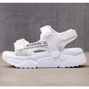 Sandales de sport pour femmes 2021 Summer Casual Chaussures Soux Double Dames Respirectrices Diaposibles Fashion Plate-forme Sandales Femmes Sandales