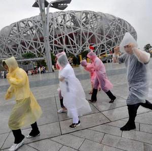 Tek Kullanımlık PE Yağmurluk Yetişkin Bir-Kebli Acil Su Geçirmez Hood Panço Seyahat Kamp Yağmurlu Ceket Yağmur Gemisi KKA8328